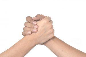 手をつなぐ1